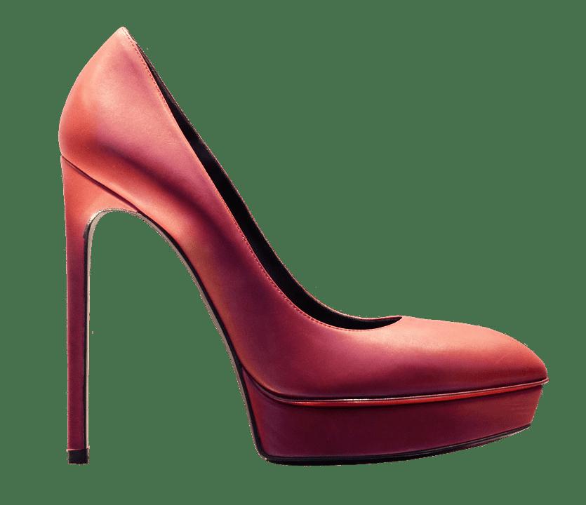 tűsarkú cipők